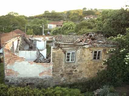 Os veciños de Castrelos solicitan ó Obispado a cesión da rectoral