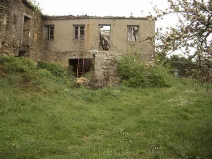 El Obispado cede a los vecinos de Castrelo de Cima la rectoral y el patio anexo